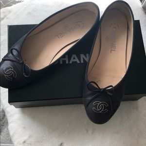 Authentic. Flat Chanel